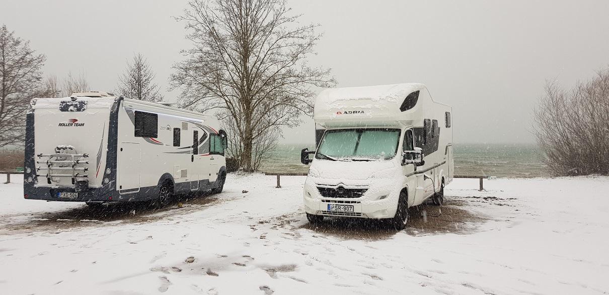 Téli időszakban is élvezze a luxus lakóautó nyújtotta kényelmet